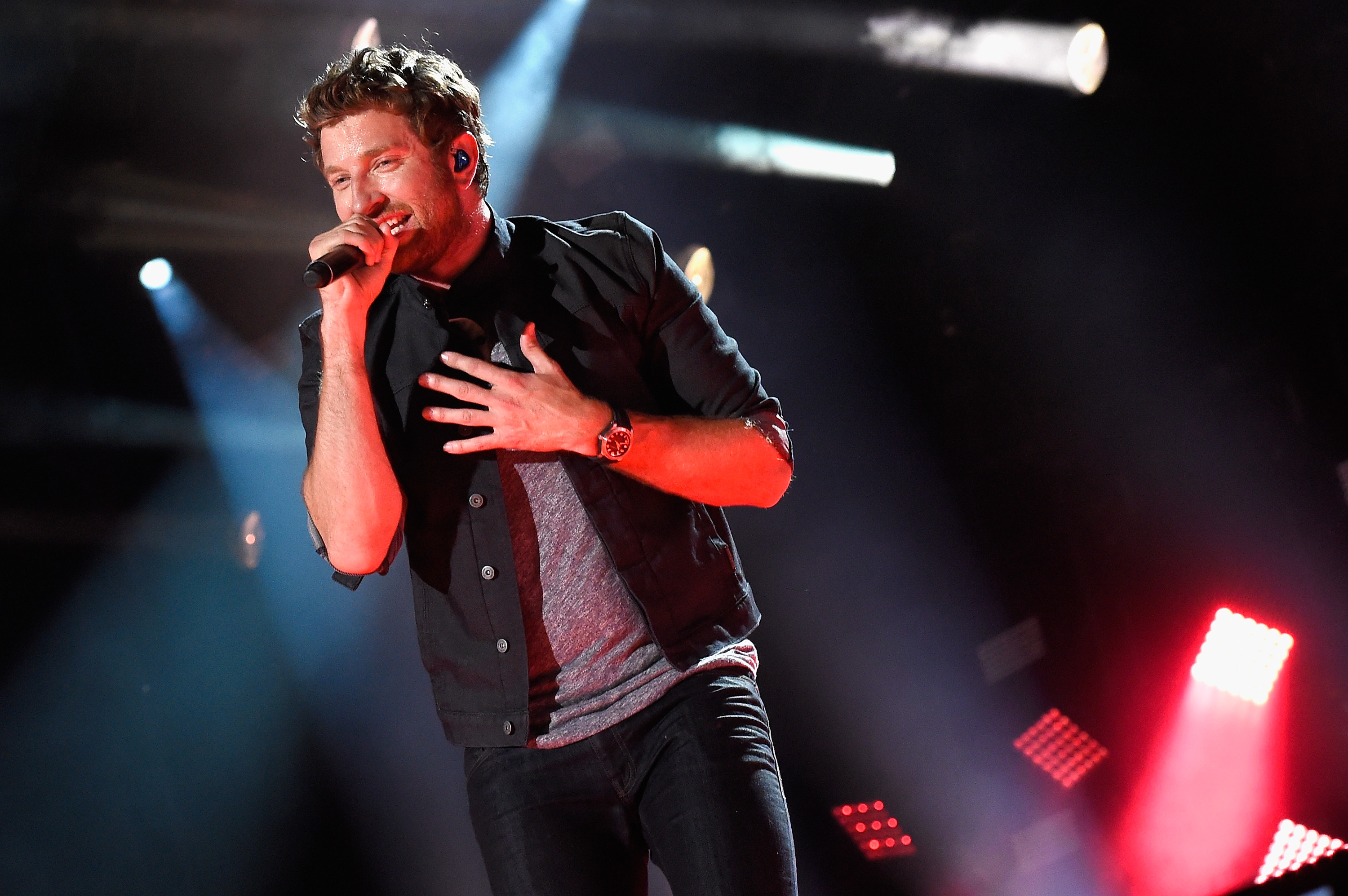 Brett Eldredge Preps His Pup For Watershed Fes News Megacountry