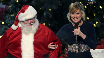 Jennifer Nettles, Kelly Clarkson to Host Holiday Concerts