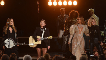 50th Annual CMA Awards Performance Highlights