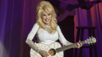 Dolly Parton Preps Holiday Takeover, Announces Holiday Concert and New TV Movie