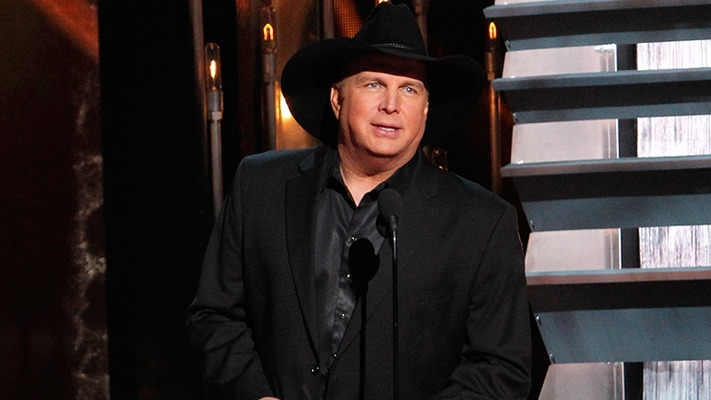 Garth Brooks Teaches Jimmy Kimmel how to Write a Country Hit