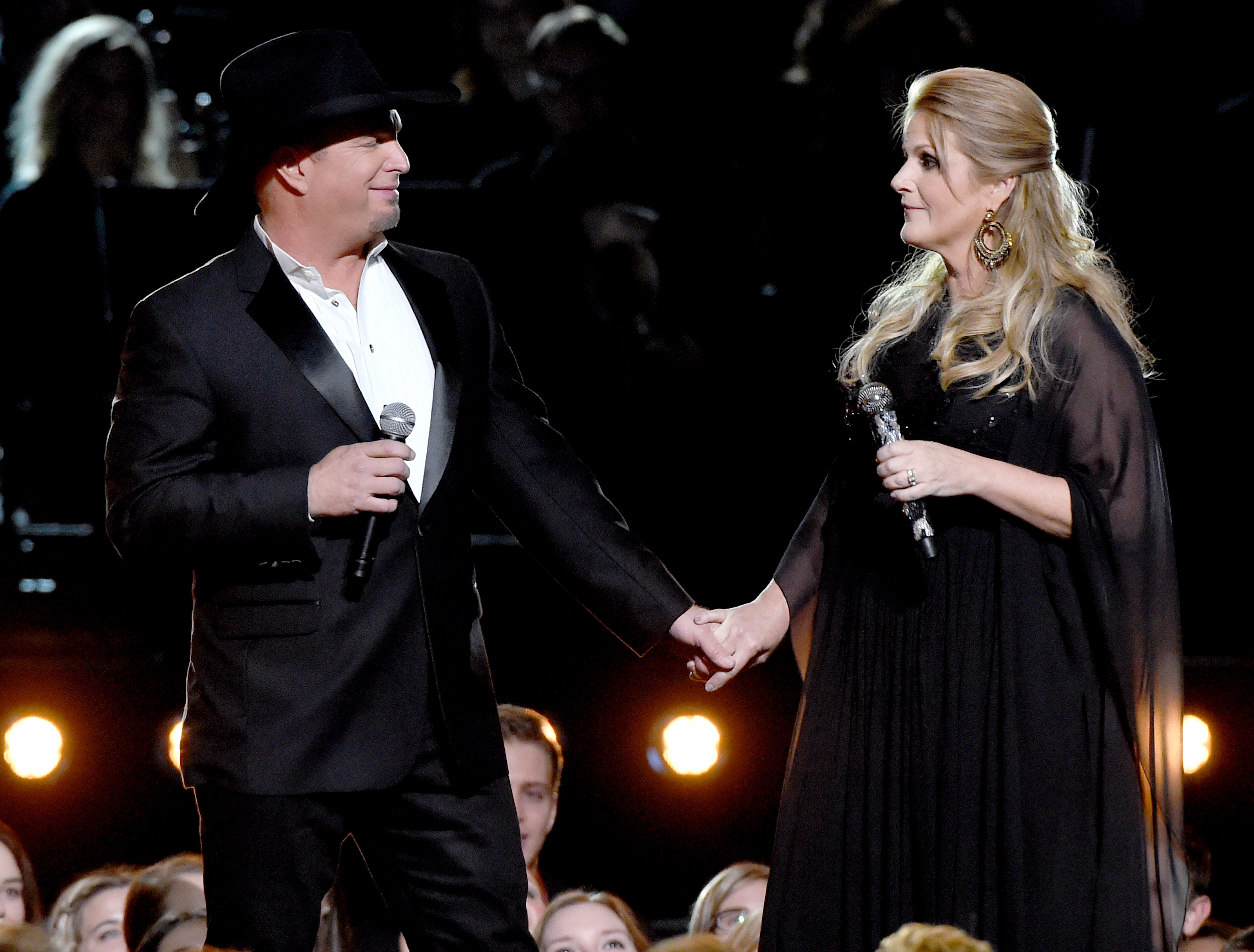 Garth Brooks & Trisha Yearwood Perform 'A Mars... | News | MegaCountry
