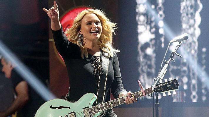Miranda Lambert Performs 'Highway Vagabond' For Macy's Thanksgiving Day Parade Extravaganza