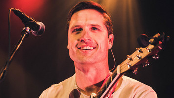 How Did Walker Hayes Survive His First Tour? Find Out!
