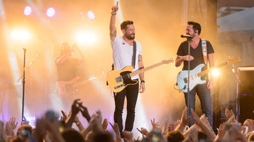Old Dominion Performs 'Song for Another Time' on Ellen