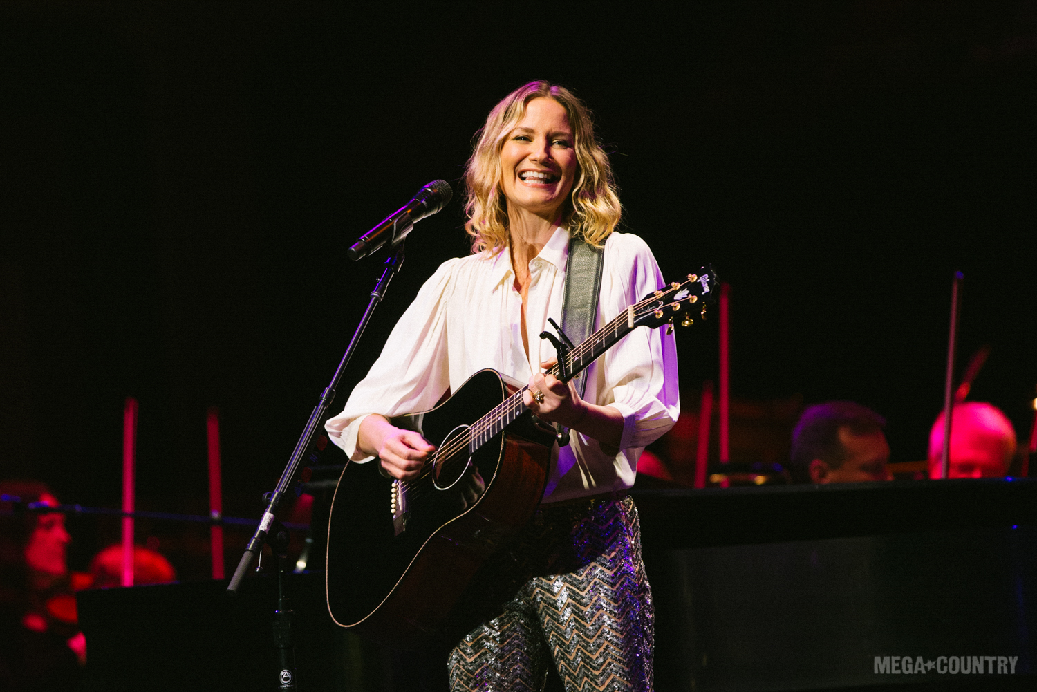 Jennifer Nettles Performs on Live Music Series... | News | MegaCountry
