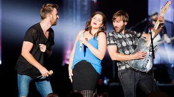 See Exclusive Shots of Lady Antebellum Live!