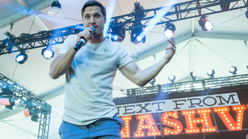 Walker Hayes Rocks The 2017 LakeShake Music Festival