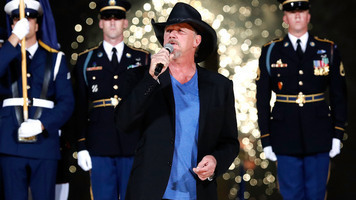 A Capitol Fourth 2017 - See Trace Adkins & Kellie Pickler!