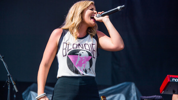 Lauren Alaina Lives It Up At Faster Horses 2017