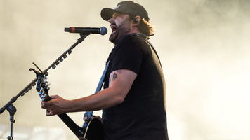Randy Houser Is A Crowd Favorite At Watershed 2017