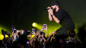 Exclusive Shots Of Sam Hunt's 15 In A 30 Tour
