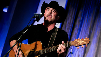Matt Stillwell Live – See 10 Exclusive Shots Of The Country Crooner!