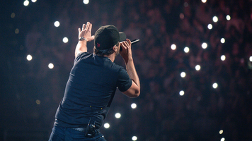 Luke Bryan 'Kills The Lights' On 2018 What Makes You Country Tour