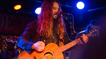 See Country Crooner Brent Cobb Live In Exclusive Gallery