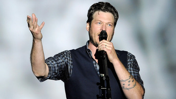 9 Sweet Pics of Blake On Stage