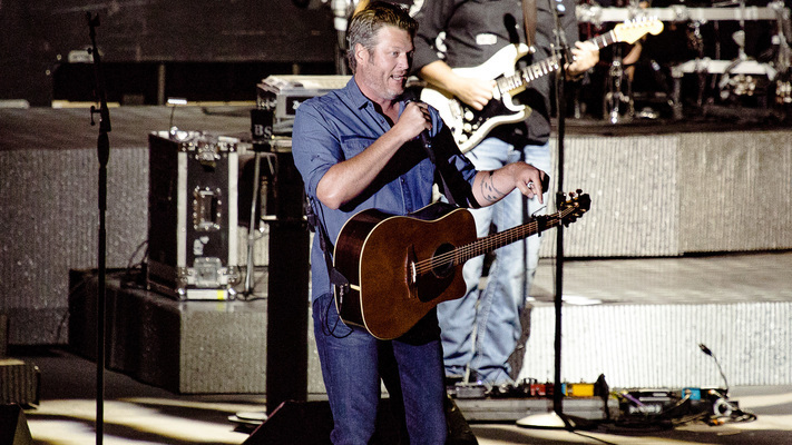 Hot Shots: Blake Shelton Headlines This Year's Watershed