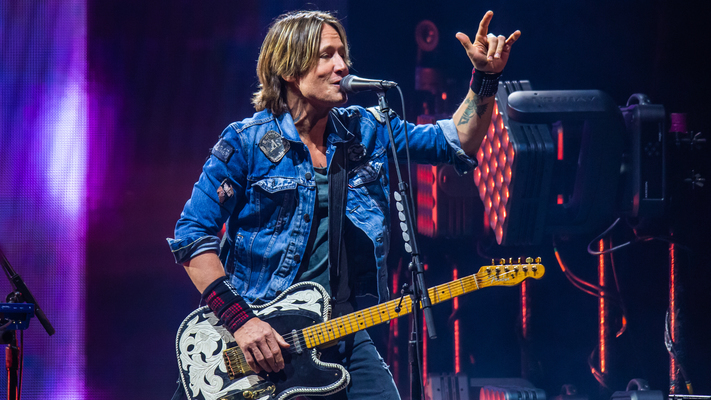 Exclusive Shots From Keith Urban's Graffiti U World Tour