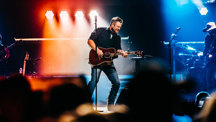 Blake Shelton Performs On His 2019 Friends and Heroes Tour