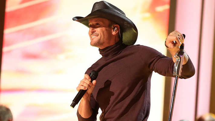 Tim McGraw Gets in the Holiday Spirit at a Very Grammy Christmas