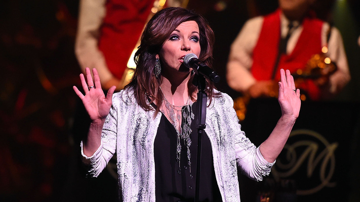 Oh My, Martina McBride! 8 Shots From The Everlasting Tour