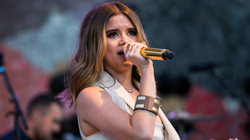 Maren Morris Takes Bumbershoot Festival to 'Church' – See Live Photos!