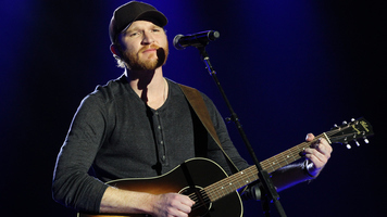 Instagram Roundup: Eric Paslay Kicks Off Angels In This Town Tour