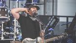 <p>Randy Houser heats up the crowd on day 1 of the Country Jam Music Festival!</p>