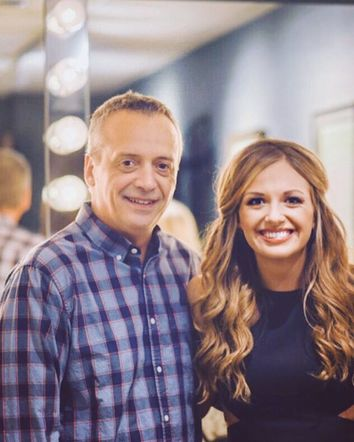 Carly Pearce is thankful for a father who lets her follow her country music dreams!