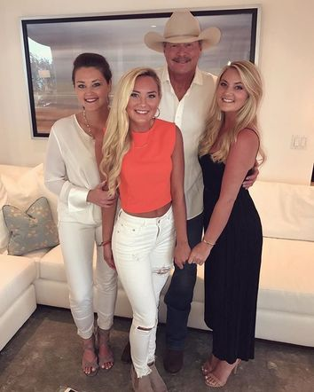 Alan Jackson had a wonderful Father's Day spending time with his beautiful daughters!