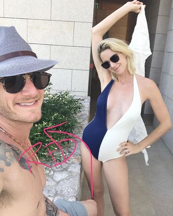 FGL's Tyler Hubbard shared this fun photo of he and his wife while they were vacationing in Greece over the 4th of July.