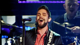 Thomas Rhett performs onstage at the 51st annual CMA Awards at the Bridgestone Arena on November 8, 2017 in Nashville, Tennessee.