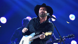 Garth Brooks performs onstage at the 51st annual CMA Awards at the Bridgestone Arena on November 8, 2017 in Nashville, Tennessee.