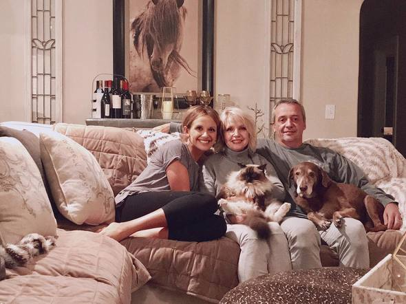 Carly Pearce spent the holiday at home with her parents and pets!