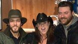 <p>Chris Jason met up with Terri Clark and Chris Young for this friendly picture backstage.<u></u><u></u></p><br><div></div>