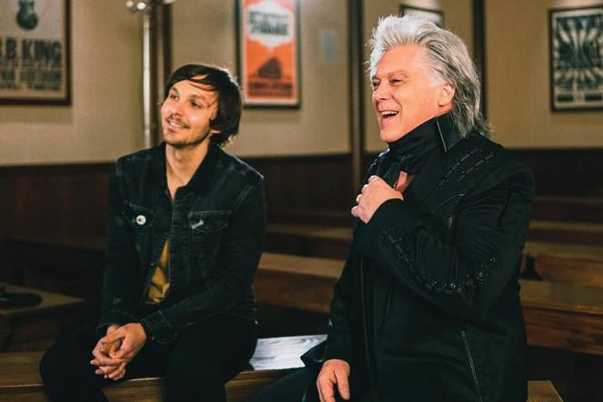 Charlie Worsham interviewed Marty Stuart for his 25th Opry Anniversary before taking the stage himself.