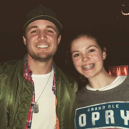 Seth Ennis posed with a fan at his Tin Pan South round!