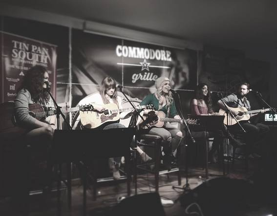 Natalie Stovall, Mickey Guyton, Ruthie Collins, and Kylie Morgan played an epic girl-power round at the Commodore Grille.