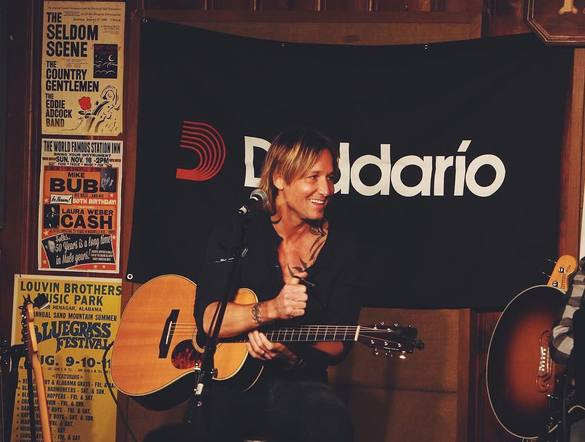 Keith Urban made a surprise stop at Ross Copperman's round at The Station Inn.