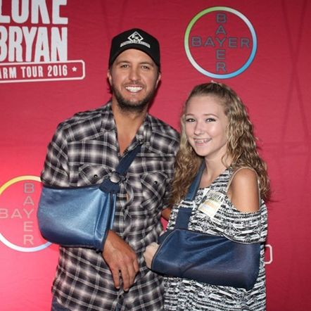 Instagram roundup luke bryan launches 2016 photos megacountry instagram roundup luke bryan launches 2016 farm tour m4hsunfo