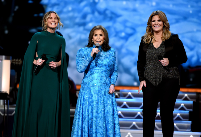 CMA Country Christmas 2016   Photos   MegaCountry