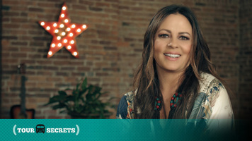 Tour Secrets: Sara Evans Has A Secret For Tech Fans