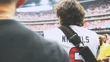 Joe Nichols plays for a crowd of Houston Texans fans