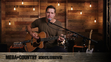 See Walker Hayes perform an acoustic version of 'Lela's Stars!'